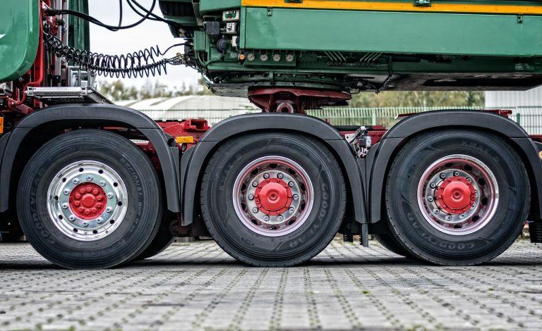 truck-2917881_1280
